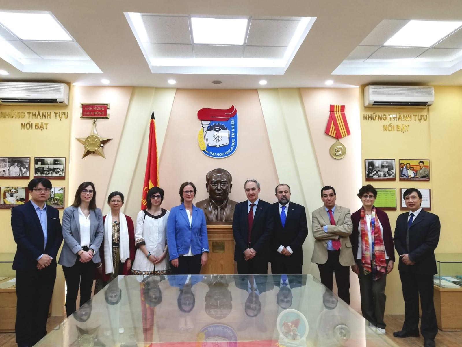 Una delegación de la Universidad de Valladolid visita Vietnam, siguiendo con la colaboración en formación y ciencia forestal